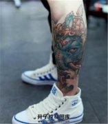 男性小腿外侧彩色象神纹身