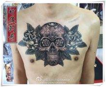 重庆纹身 前胸纹身 骷髅玫瑰纹身《升子作品》