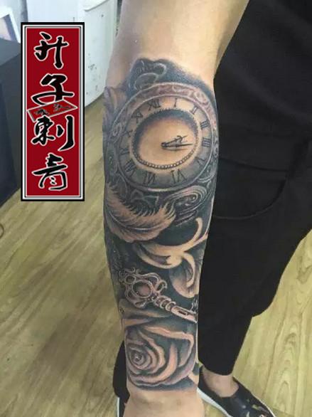 重庆纹身 花臂纹身 钟表纹身 玫瑰花纹身 羽毛纹身价格