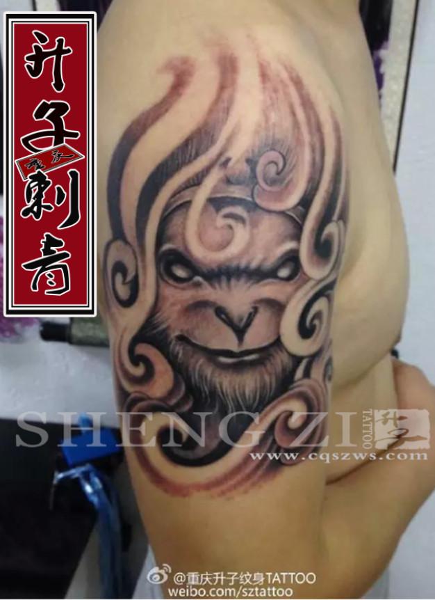 重庆纹身 大臂外侧大圣纹身图片 大圣纹身图案