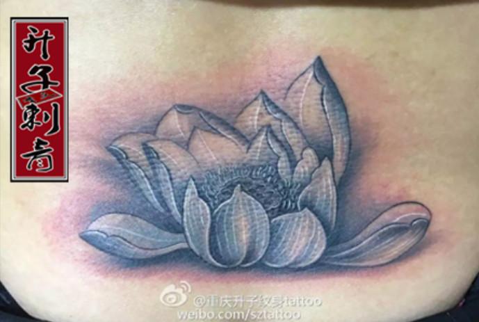 后腰纹身 荷花纹身图案 遮盖失败纹身作品