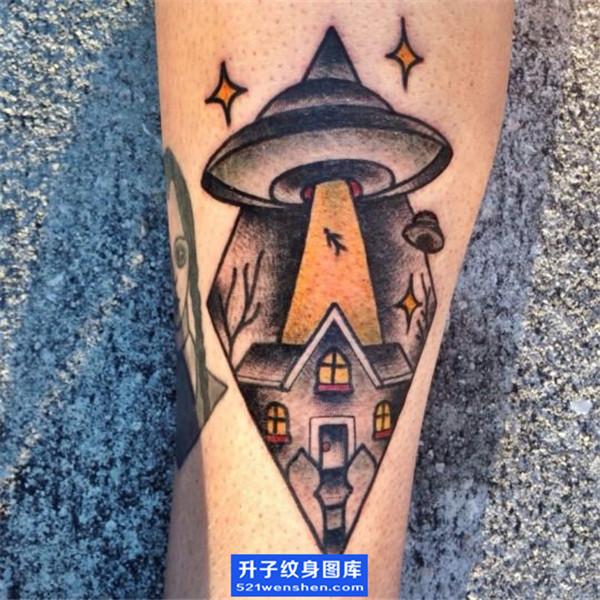 小腿欧美飞碟纹身图案 ufo纹身图片