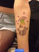 手臂小清新飞碟纹身图案_ufo纹身图片