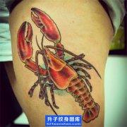 大腿彩色虾子纹身图案
