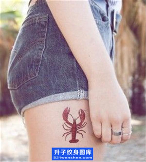 大腿外侧小清新虾子纹身图案