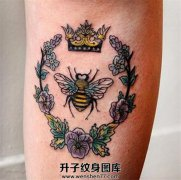 小腿欧美蜜蜂纹身图案 old school纹身价格