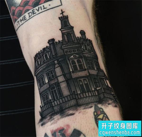 手臂外侧建筑欧美黑灰建筑纹身图案