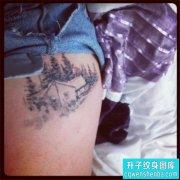 大腿黑灰欧美建筑纹身图案