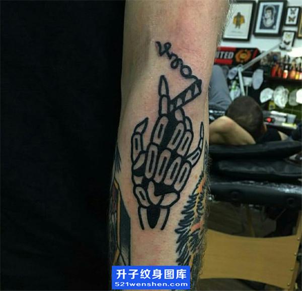 手背欧美烟纹身图案大全
