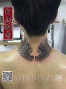 后脖子翅膀纹身图案