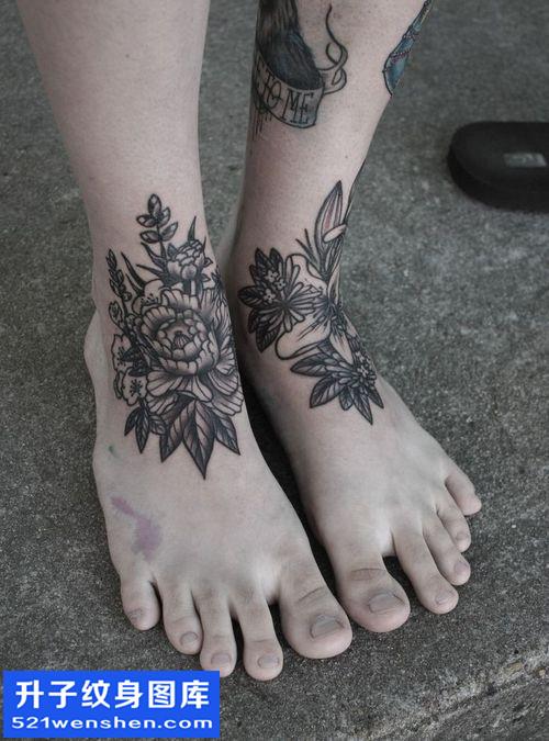 女性脚背牡丹纹身图案大全