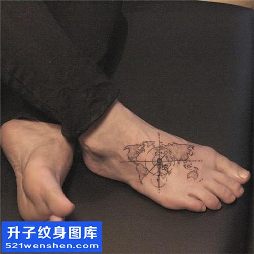 男性脚背几何纹身图案大全