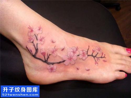女性脚背梅花纹身图案大全