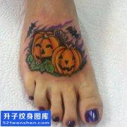 女性脚背万圣节南瓜纹身图案大全