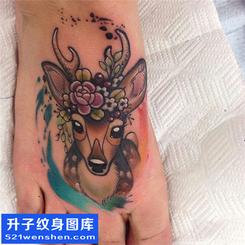 女性脚背鹿纹身图案纹身大全