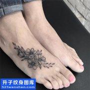 女性脚背小清新花纹身图案大全
