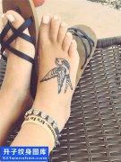 女性脚背燕子纹身图案大全