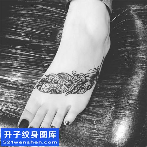 女性脚背欧美羽毛纹身图案大全