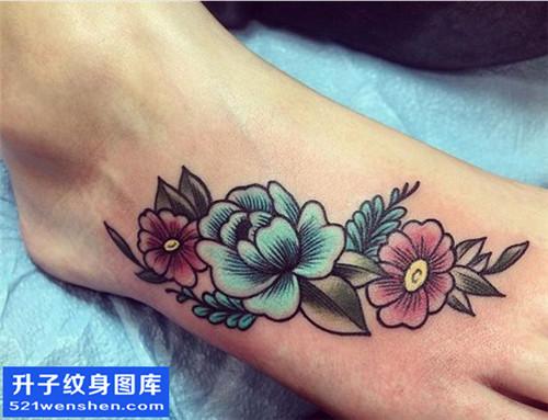 女性脚背欧美彩色花纹身图案大全