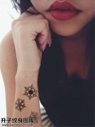 女性小臂雪花纹身图案大全