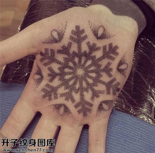 男性手掌欧美雪花纹身图案大全