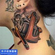 女性脖子欧美彩色纹身机图案大全