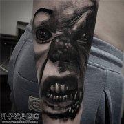 男性小臂黑灰欧美肖像纹身图案大全