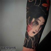重庆哪里纹身便宜 男性小臂传统生首纹身图片大