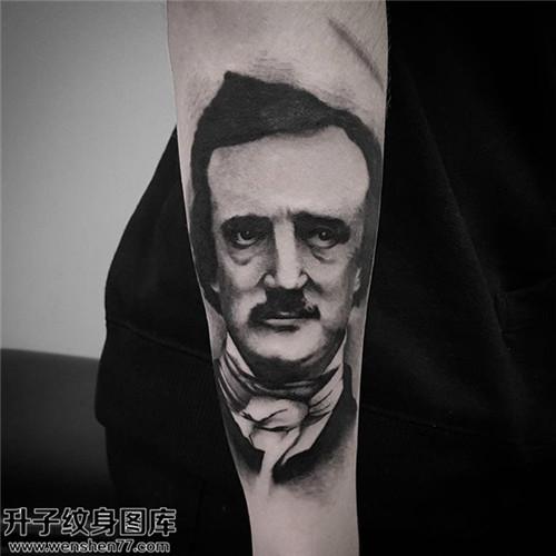 男性小臂欧美肖像纹身图片大全