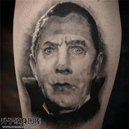 男性小腿欧美黑灰肖像纹身图案大全