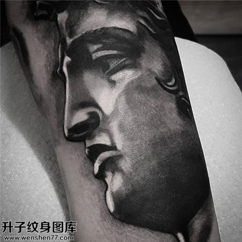 男性大臂欧美大臂肖像纹身图案大全