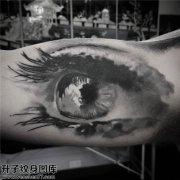 男性大臂黑灰欧美纹身图片大全