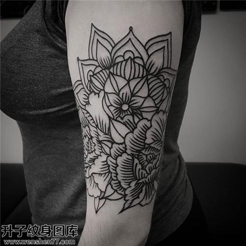 观音桥纹身 女性大臂牡丹纹身图案大全