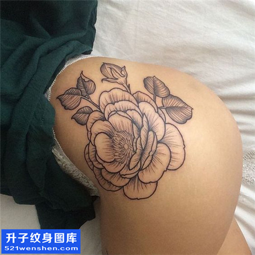 女性传统侧腰牡丹纹身图案大全