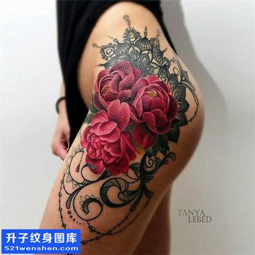 女性侧腰欧美玫瑰纹身图案大全