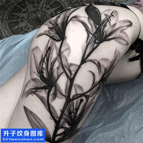女性大腿欧美花纹身图片大全