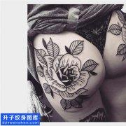 女性臀部欧美玫瑰纹身图片大全