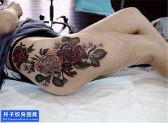 女性传统侧腰菊花纹身图案大全