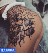 女性侧腰欧美菊花纹身图片大全
