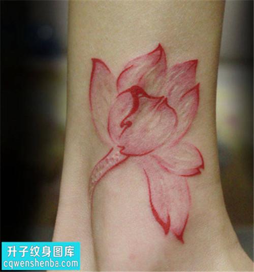 女性小腿彩色传统荷花纹身图片大全