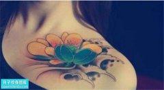 重庆纹身哪里便宜 女性锁骨彩色传统荷花纹身图