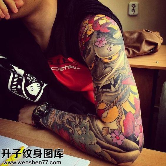 男性传彩色花臂般若纹身图片大全