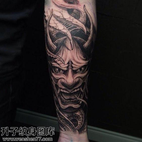 男性传统小臂黑灰般若纹身图案大全