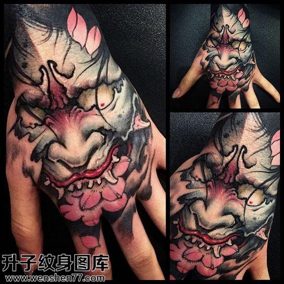 女性手背传统彩色般若纹身图片大全