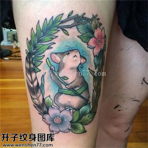 女性大腿欧美彩色老鼠纹身图案大全