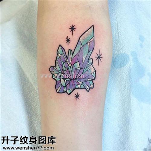 女性小臂欧美彩色钻石纹身图片大全