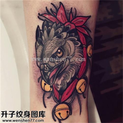 男性大臂欧美彩色猫头鹰纹身图案大全