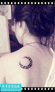 女性后背图腾月亮纹身图片大全