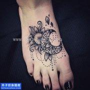 女性脚背点刺太阳月亮纹身图案大全