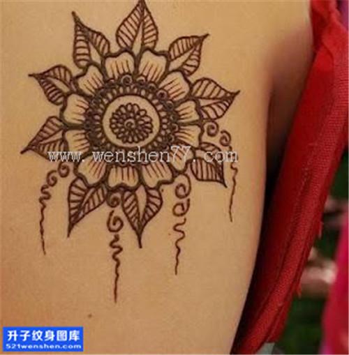 女性大臂梵花纹身图案大全